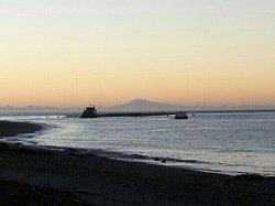 amanecer, playa la Barra, Quellón-Chiloe...  (56599421)