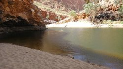 Ormiston Gorge, swimming hole