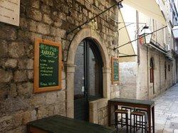 Cafe Bar Irish Pub Karaka