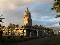 Temple Tamoul Narassingua Perournal