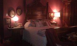 Corner Oaks Bed and Breakfast