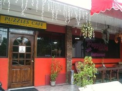 Puzzle's Cafe