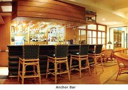 Poolside Sunken Bar, Taj Fisherman's Cove