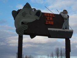 Reel 'em Inn