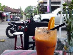 Cafe Madonna