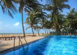 Camelot Beach Hotel