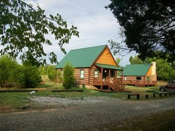Sandy River Retreat Log Cabin Farm Stay