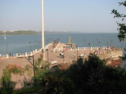 Dona Paula Beach and Viewpoint