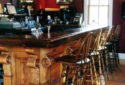 Bombay Peggy's Inn & Pub