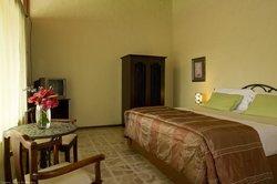 Casa De Flores Boutique Guesthouse & Villa