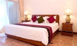 Surin Bay Inn