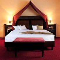 Amadis Hotel
