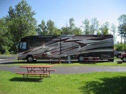 Royal Motel & Campground