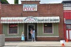 Uncle Lar's Pizza