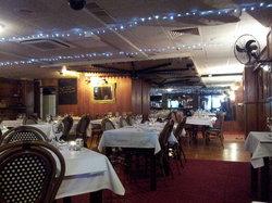 Bogarts Bar & Grill