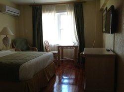 comfertable standard bedroom
