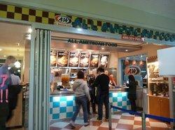 A&W 空港店