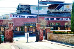 Six Feet Under Pub and Fish House