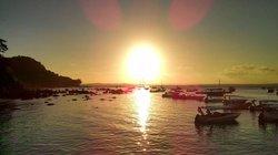 puesta de sol desde el puerto
