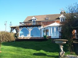 Hillview Cottage Bed & Breakfast