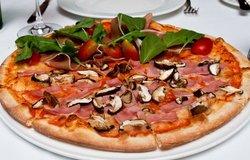 Romanas Pizza & Pasta