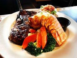 Canyons Restaurant & Bar