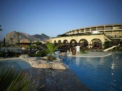 Pool / Hotel