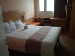 5th floor room