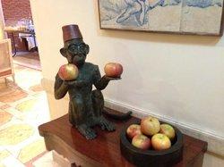 Frutas disponíveis o dia todo!