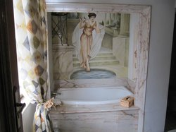 Spa bath in French room