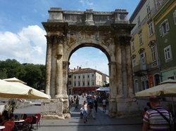 Arco Di Sergio