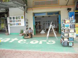 Cambodian Children's Painting Projects Gallery