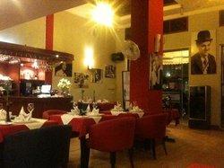 Thury Cafe
