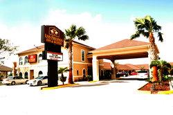 Los Fresnos Inn & Suites