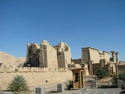 ラムセス三世葬祭殿 (メディネト・ハブ)