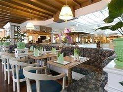 Ruenton Coffeeshop at the montien hotel