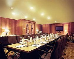 The Promenade Lounge - Taj Bengal
