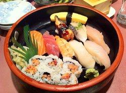 Noodle & Sushi Combo