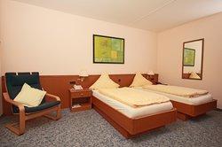 Hotel & Weinhaus Zum Schwarzen Baeren