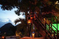 Queen's Gardens Resort & Spa Restaurant