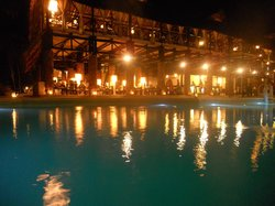 dalla piscina verso ..ristorante ((primo piano)