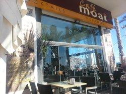 Cafe Moai