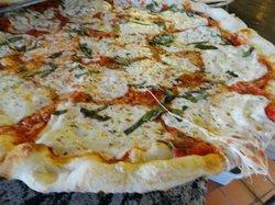 Naples Restaurant & Pizza