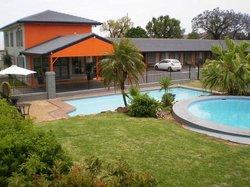 Country Leisure Motor Inn