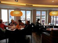 Cafe Confiserie Maron