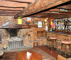 Image The Gribble Inn in South East