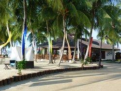 Breezes restaurant on the beach