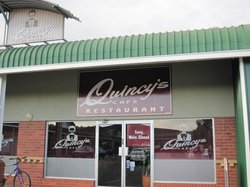 Quincy's cafe