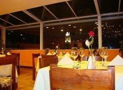 """Plaza Restaurante """"Los Balcones"""""""
