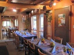 Alexa Chalets - Timber Inn & Restaurant